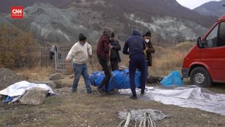 VIDEO: Cemas Dikuasai Azerbaijan, Warga Armenia Bongkar Makam