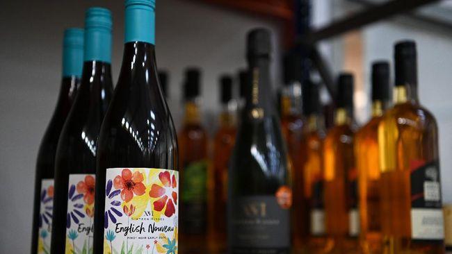 Warga Inggris memiliki varian wine baru English Noveau yang disebut sebagai rival wine Prancis Beaujolais Noveau.