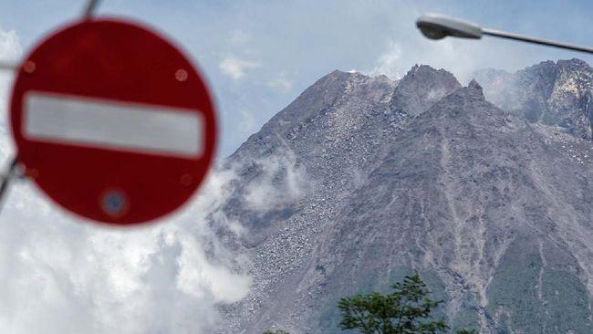BPPTKG menyatakan kubah lava di tengah kawah puncak Gunung Merapi terus tumbuh. Volumenya saat ini diperkirakan sudah mencapai 2,808 juta meter kubik.