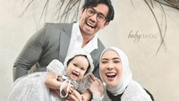 <p>Dari pernikahannya dengan Irvan Hanafi, Fitri Tropica atau Fitrop dikaruniai seorang putri bernama Sada Amina Hanara. (Foto: Instagram @irvantoge)</p>