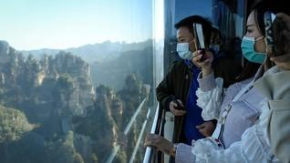 Lift Tertinggi Dunia Menjulang di Hutan 'Avatar' China