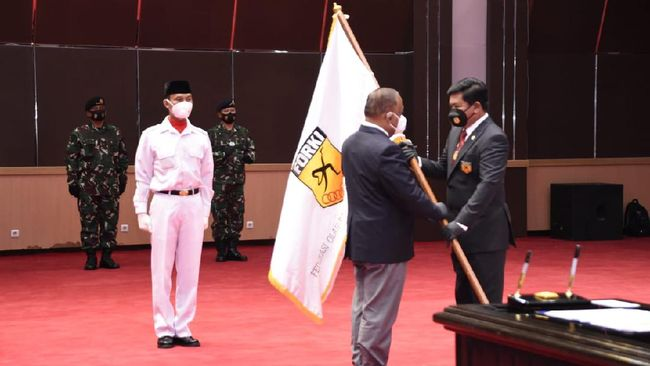 Marsekal TNI Hadi Tjahjanto mengincar prestasi di ajang karate internasional tahun depan setelah resmi dilantik sebagai ketua umum Forki.