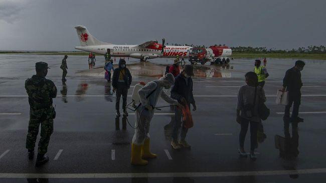 Pesawat Lion Air dengan nomor penerbangan JT-224 rute Surabaya-Banjarmasin putar balik ke bandara asal setelah 20 menit terbang pada Selasa (30/3).