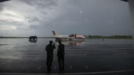 Penumpang Buka Jendela Darurat Wings Air saat Bersiap Terbang