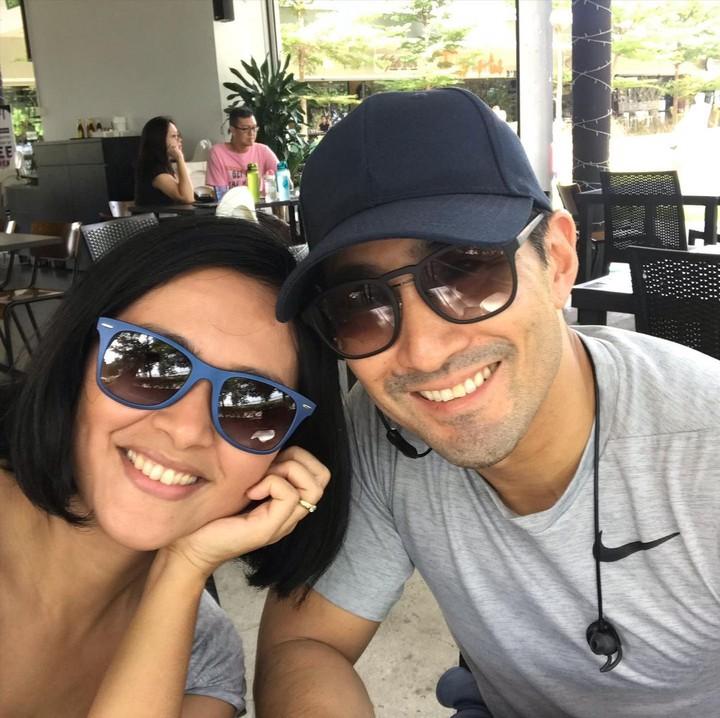 Sarah Sechan dan Suami