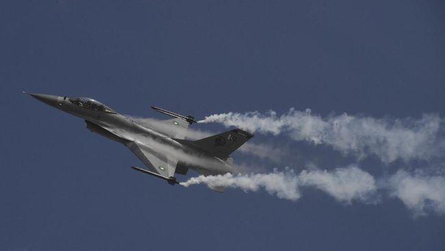 Kementerian Pertahanan Nasional Taiwan mengecam rumor yang menuduh bahwa jet tempur F-16 Taiwan yang hilang beserta pilotnya membelot ke China.