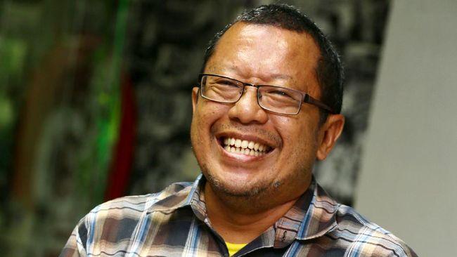 Pakar Teknologi Informatika (TI) Indonesia, Onno W. Purbo raih penghargaan dunia dari Internet Society dan diganjar hadiah Rp2,8 miliar.