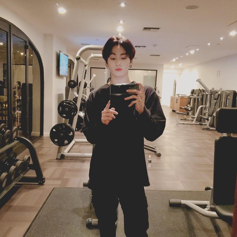 Potret Jungkook sebagai Sexiest International Man 2020