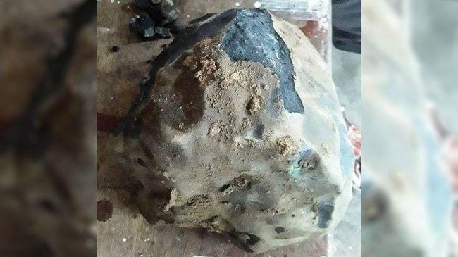 LAPAN menyatakan belum menyelidiki secara langsung batu meteor yang jatuh di Tapanuli dan kini di tangan bule Amerika Serikat.
