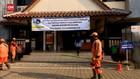 VIDEO: 26 Pegawai Kelurahan Petamburan Jalani Tes Usap