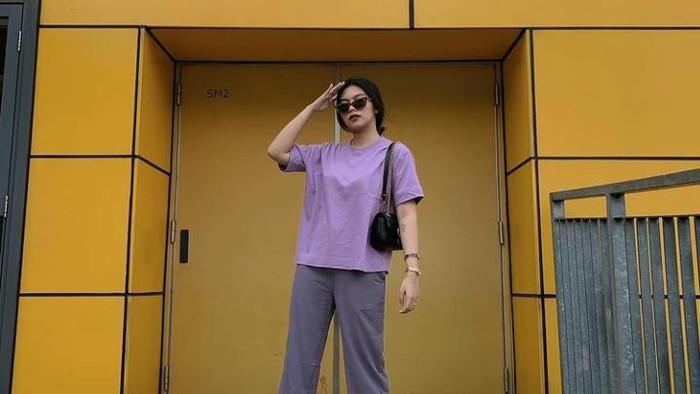 All About Lilac! 10 Inspirasi Fashion ala Influencer Neva Indriany