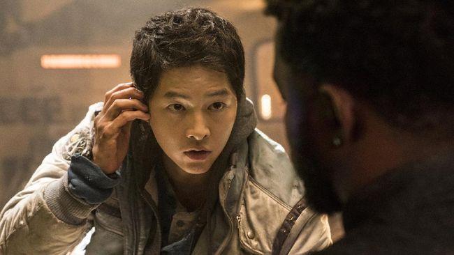Space Sweepers, film pertama Korea Selatan yang mengangkat tema luar angkasa, akan mengudara mulai hari ini, Jumat (5/2).