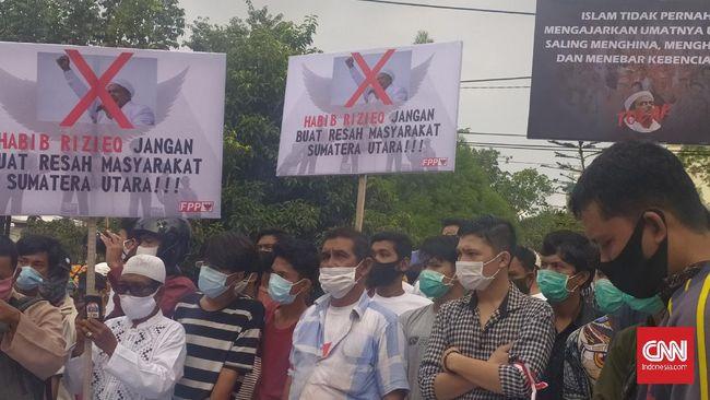 Ratusan Laskar Front Pembela Pancasila (FPP) tak ingin kedamaian di Sumatera Utara tercoreng akibat kedatangan Rizieq Shihab.