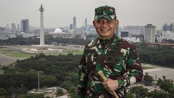 Mayjen TNI Dudung Abdurachman mendapatkan promosi mutasi untuk menjabat Panglima Komando Cadangan Strategis Angkatan Darat (Pangkostrad).