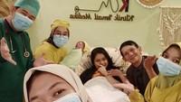 <p>Kabar bahagia datang dari pelawak Ginanjar Sukmana. Ia dan istrinya menyambut anak pertama. (Foto: Instagram @ginanjar.sukmana)</p>