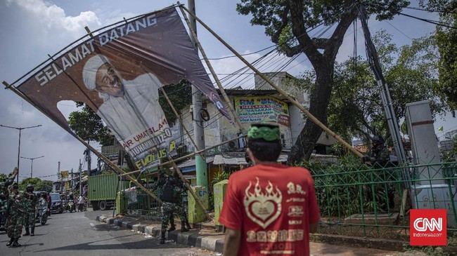 Polri Sebut Baliho Rizieq Dicopot karena Langgar Perda