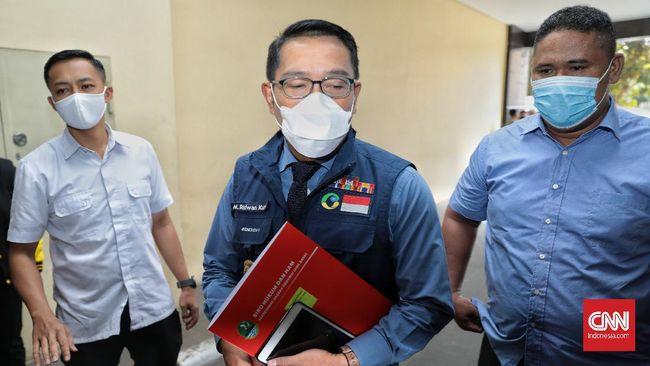 Gubernur Jabar, Ridwan Kamil, mengimbau wisatawan menunda liburan ke Bandung karena kawasan itu masuk dalam zona merah atau risiko tinggi penyebaran Covid-19.
