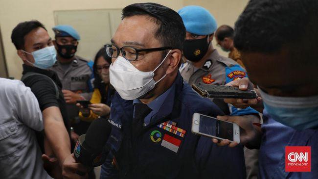 Gubernur Jawa Barat Ridwan Kamil membenarkan kasus pasien terinfeksi virus corona B117 ditemukan di Karawang.