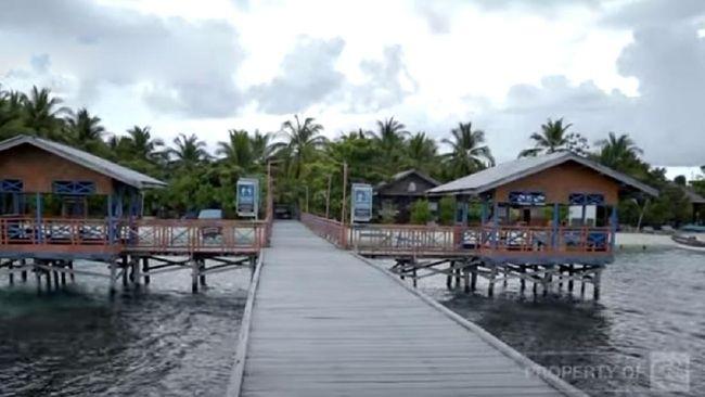 Di luar wisata laut Raja Ampat, ada desa wisata Arborek yang mengelola kawasan wisata setempat secara kolektif.