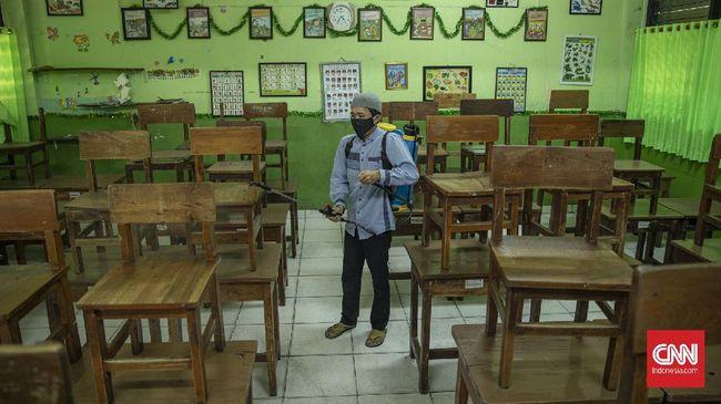 Pemerintah Provinsi DKI Jakarta resmi membatalkan rencana pembelajaran tatap muka di sekolah mulai bulan ini.