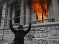 FOTO: Aksi Demo dan Bakar Gedung Kongres Guatemala