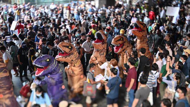 Massa pro-demokrasi Thailand berencana menggelar aksi demo besar-besaran besok, Rabu (25/11).