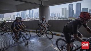 FOTO: Sensasi Bersepeda Menyusuri Rampa Spiral Gedung Parkir