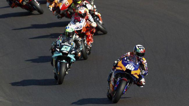 Jadwal MotoGP Portugal 2021 di Sirkuit Portimao akan berlangsung akhir pekan ini, 16-18 April. Berikut jadwal lengkap MotoGP Portugal 2021.