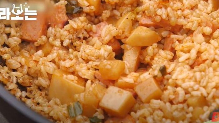 Yum! Resep Nasi Goreng Kimchi Lobak ala Cha Seung Won 'Three Meals a Day'