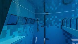FOTO: Menyelami Kolam Renang Terdalam di Dunia
