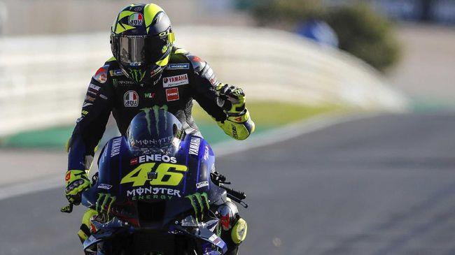 Valentino Rossi diyakini segera mengakhiri statusnya sebagai pembalap usai musim 2021 dan beralih menjadi manajer tim di MotoGP 2022.