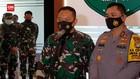 VIDEO: TNI Turunkan Baliho, Satpol PP Pernah Dihadang Massa