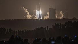 FOTO: China Utus Robot ke Bulan, Ambil Sampel Batuan
