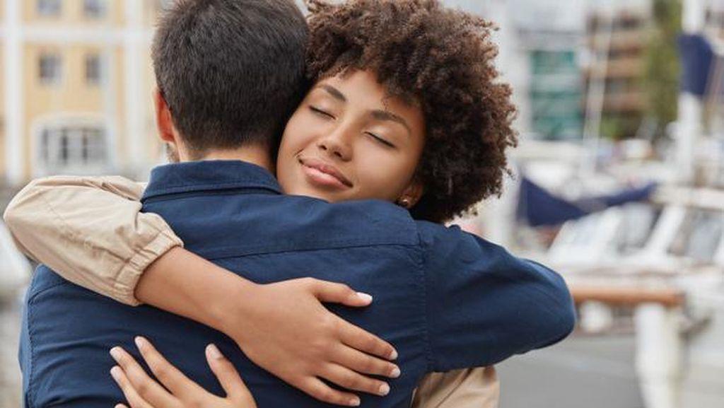 Keajaiban Sebuah Pelukan Healing Hug Untuk Kesehatan Jiwa