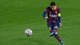 Kiper Elche Kaget Messi Minta Jersey
