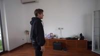 <p>Saat room tour, rumah tersebut masih terlihat belum rapi karena masih dalam proses pindahan.(Foto: Youtube Rizky Billar)</p>