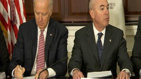 VIDEO: Biden Susun Kabinet, Mendagri dari Warga Keturunan