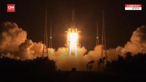 VIDEO: China Luncurkan Roket Untuk Ambil Sampel Batu Bulan