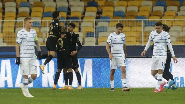 Martin Braithwaite mencetak dua gol untuk membawa Barcelona menang 4-0 atas Dynamo Kiev pada matchday keempat Liga Champions.