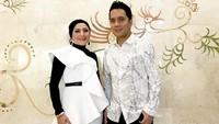 <p>Duo penyanyi Fatur dan Nadila sempat sangat populer di akhir era 90-an, Bunda. (Foto: Instagram @fatursinger)</p>