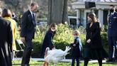 Presiden AS, Donald Trump, menggelar acara simbolis memaafkan kalkun jelang Thanksgiving di Gedung Putih untuk terakhir kali.