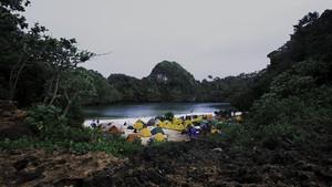 9 Pantai di Malang, Lokasi Surfing sampai yang Berwarna Tiga