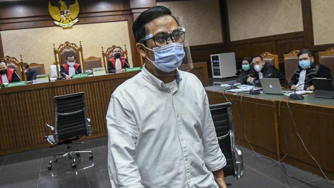 Andi Irfan Jaya, rekan dari Jaksa Pinangki, akan menjalani sidang putusan kasus suap pengurusan fatwa MA bagi Djoko Tjandra, hari ini.
