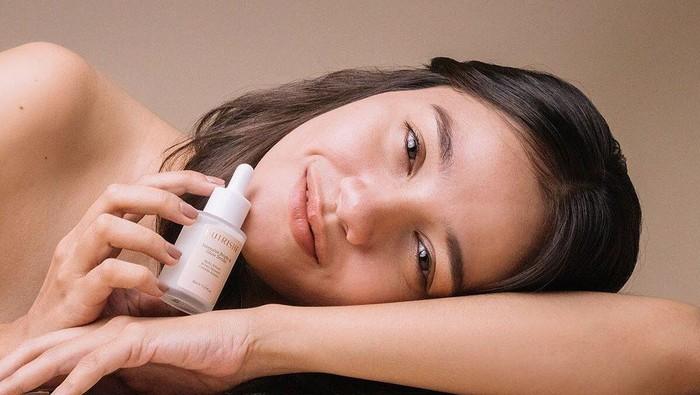 4 Skincare Lokal dengan Kandungan Alpha Arbutin yang Dapat Mencerahkan Wajah