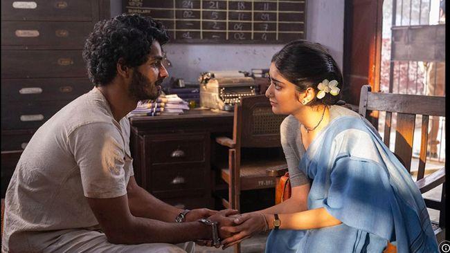 Seruan boikot Netflix menggema di India setelah serial A Suitable Boy memicu kontroversi karena mengandung adegan yang disebut-sebut sebagai jihad cinta.