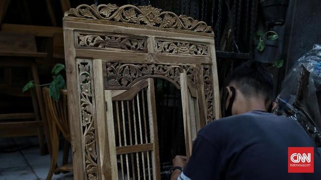 Penjualan mebel di kawasan Kemang Timur tertekan virus corona hingga merosot 70 persen.