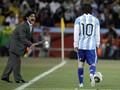 Messi Menderita Karena Terus Dibandingkan dengan Maradona