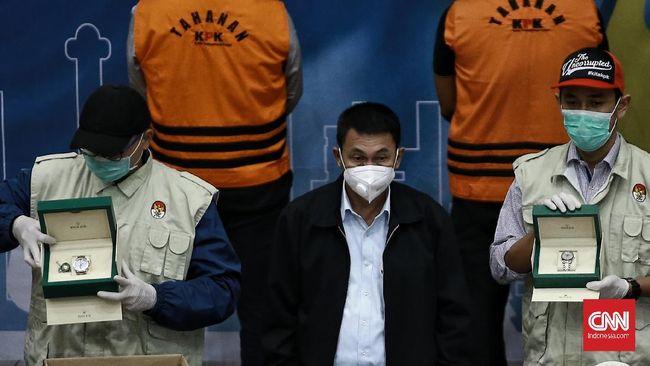 KPK menyampaikan Edhy Prabowo mengantongi uang belanja ke Honolulu, Hawaii, dari rekening kasus ekspor benih lobster. Sejumlah barang mewah disita.