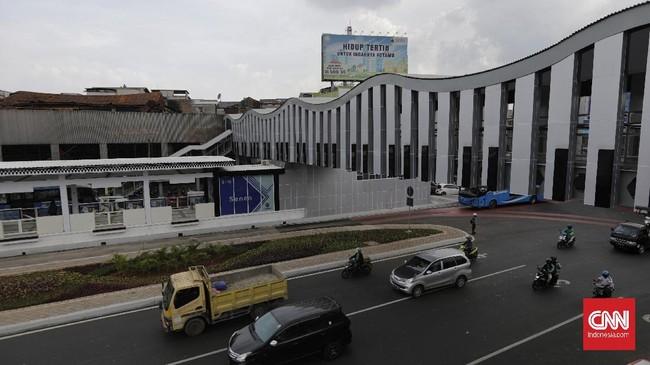 JPO Senen Extension telah selesai dibangun dan mulai beroperasi usai direvitalisasi Pemprov DKI Jakarta.