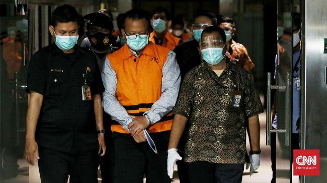 Saksi mengungkap mantan menteri KKP Edhy Prabowo pernah membeli 8 sepeda senilai Rp118,4 juta yang disimpan di rumah dinas.